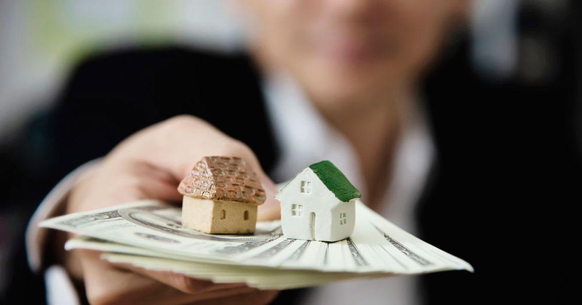 donar o prestar dinero para comprar una casa